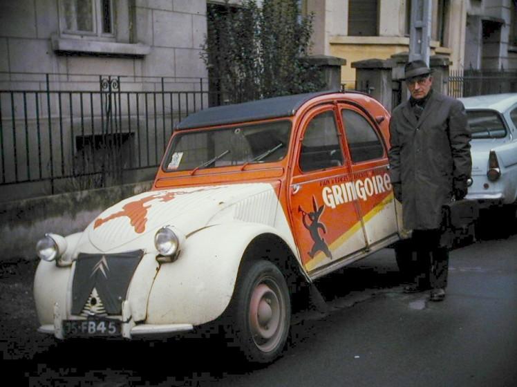 2015 > NOUVEAU > Hachette Collections + AUTO PLUS > La fabuleuse histoire des véhicules publicitaires - Page 3 1961_210