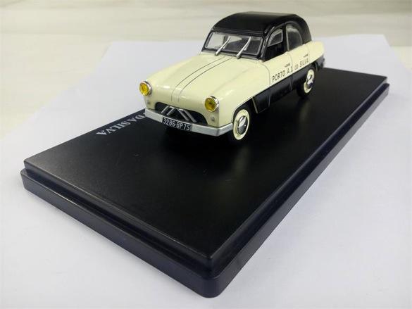 2015 > NOUVEAU > Hachette Collections + AUTO PLUS > La fabuleuse histoire des véhicules publicitaires 92422910