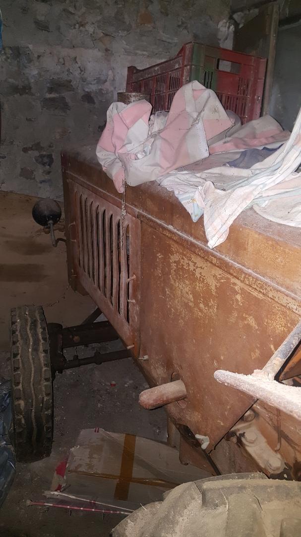 RENAULT -  A vendre tracteur renault 3040 3040c11