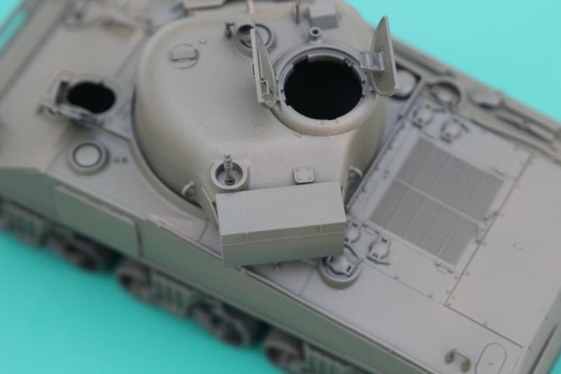 CHAMPAUBERT 1/35 M4A2 TASCA - Page 4 Img_0013