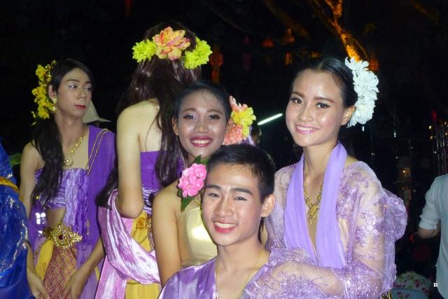 Fête du Loy Kratong, ou la fête des lumières P1110119
