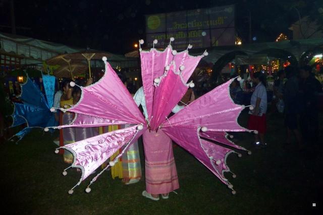 Fête du Loy Kratong, ou la fête des lumières P1110123