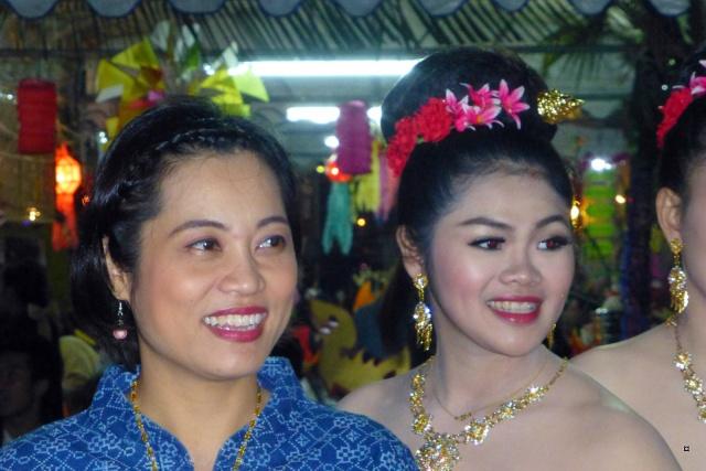 Fête du Loy Kratong, ou la fête des lumières P1110125