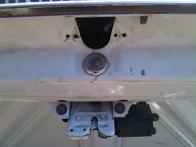Trunk lock relocation / Shaved trunk lid Img00049