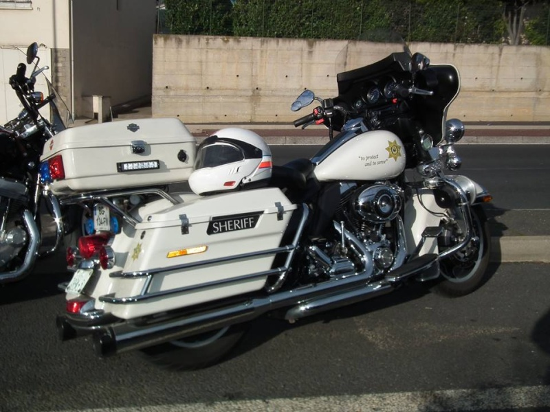 ESSAI du ROAD KING SPECIAL POLICE 2011 - Page 3 12647010