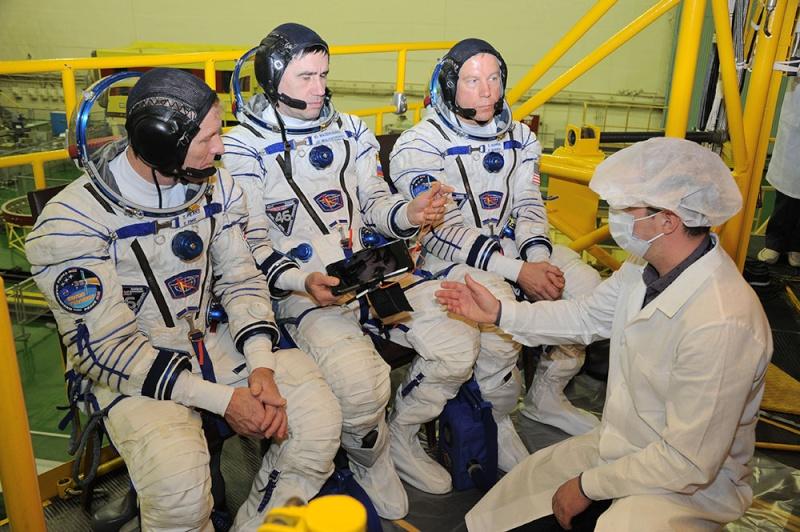 Soyouz-FG (Soyouz TMA-19M) - Baï - 15.12.2015 Soyuz-25