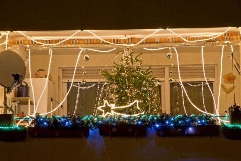 Les illuminations de Noël pour les fêtes 2.015   2.016 ! - Page 5 Balc_n10