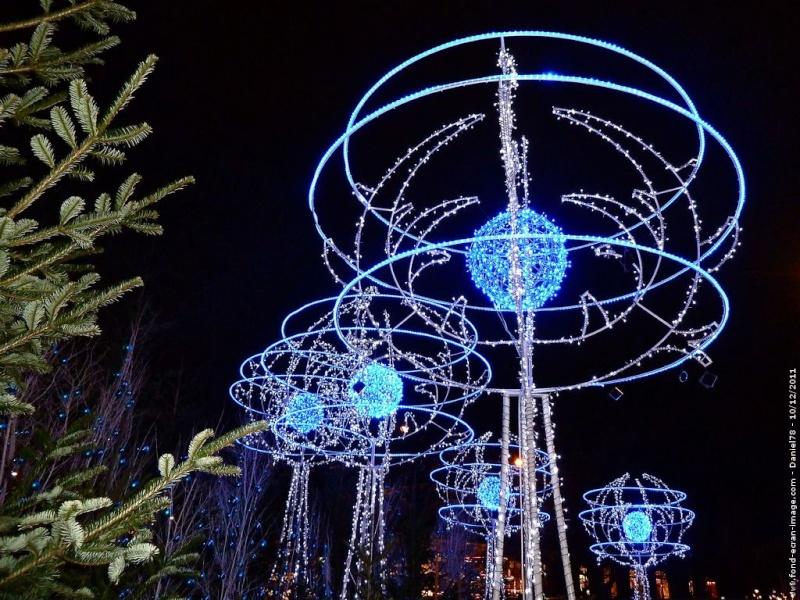 Les illuminations de Noël pour les fêtes 2.015   2.016 ! - Page 4 Illumi10