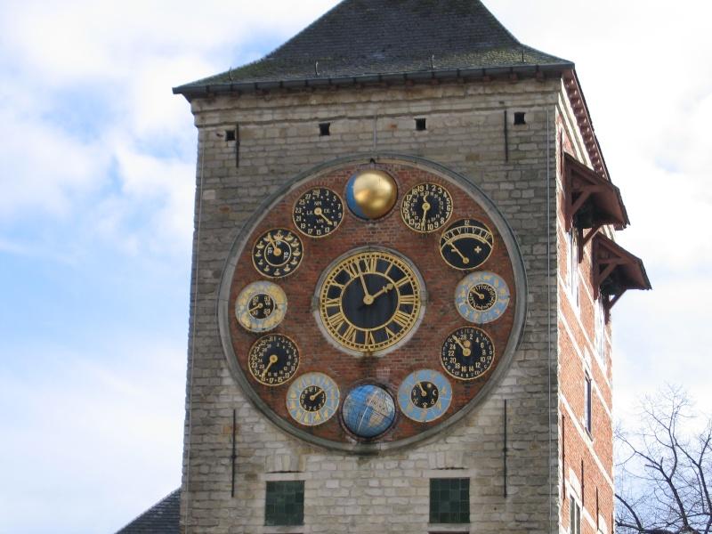 Reçu un beau diapo....Les horloges et pendules des rues..... - Page 6 Lier_z10