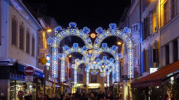 Les illuminations de Noël pour les fêtes 2.015   2.016 ! - Page 4 Montby10