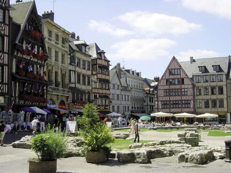 Par ordre alphabétique, des villes et des villages . - Page 38 Rouen12
