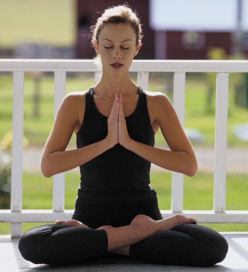Basé sur l'ordre alphabétique, tout ce qui vous passe par la tête. - Page 4 Yoga210