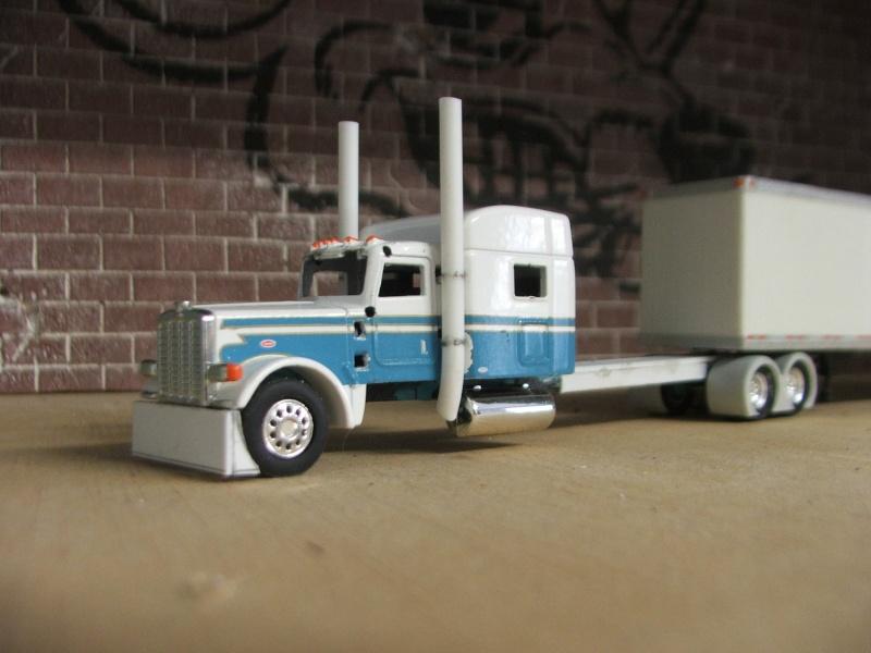 Peterbilt 389 Custom 1/87 Dscf6419