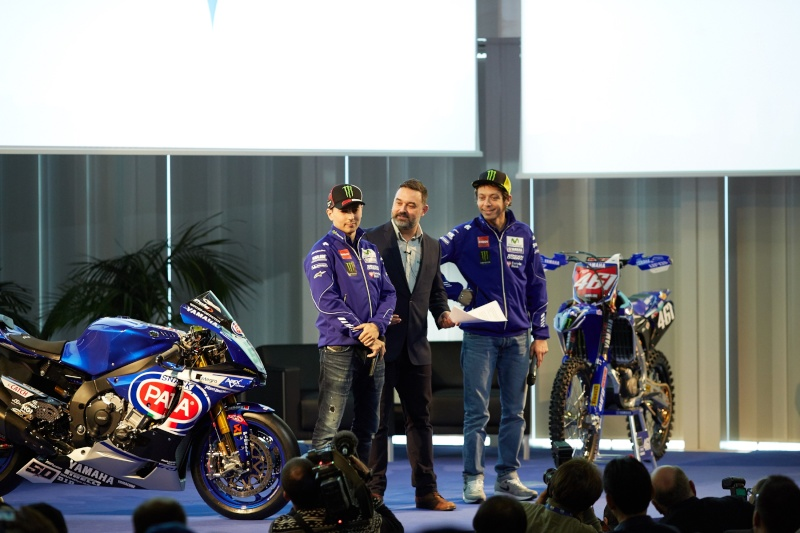 [OFFICIEL YAMAHA] 2016 Official Racing Teams Release Ac5_5910