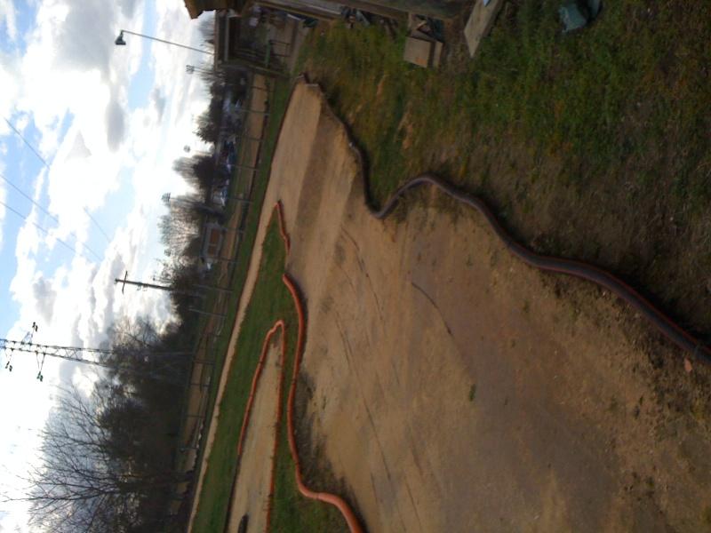 Réfection des pistes 1/8 et 1/10 mars 2011 Img_0413