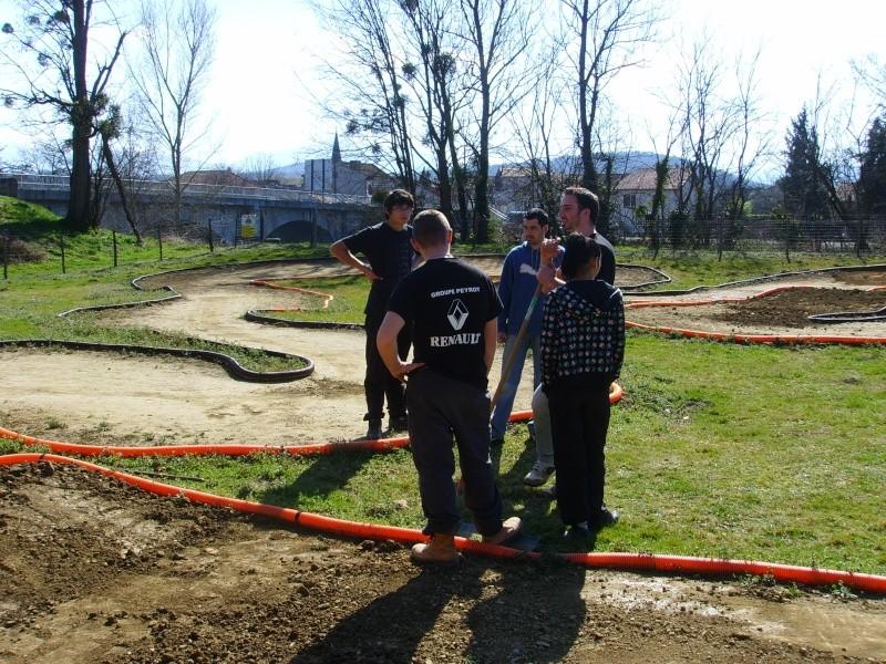 Réfection des pistes 1/8 et 1/10 mars 2011 Ssl20011
