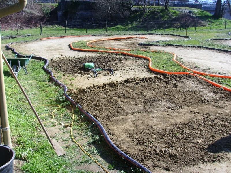 Réfection des pistes 1/8 et 1/10 mars 2011 Ssl20012