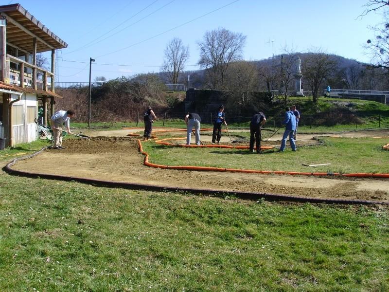 Réfection des pistes 1/8 et 1/10 mars 2011 Ssl20018