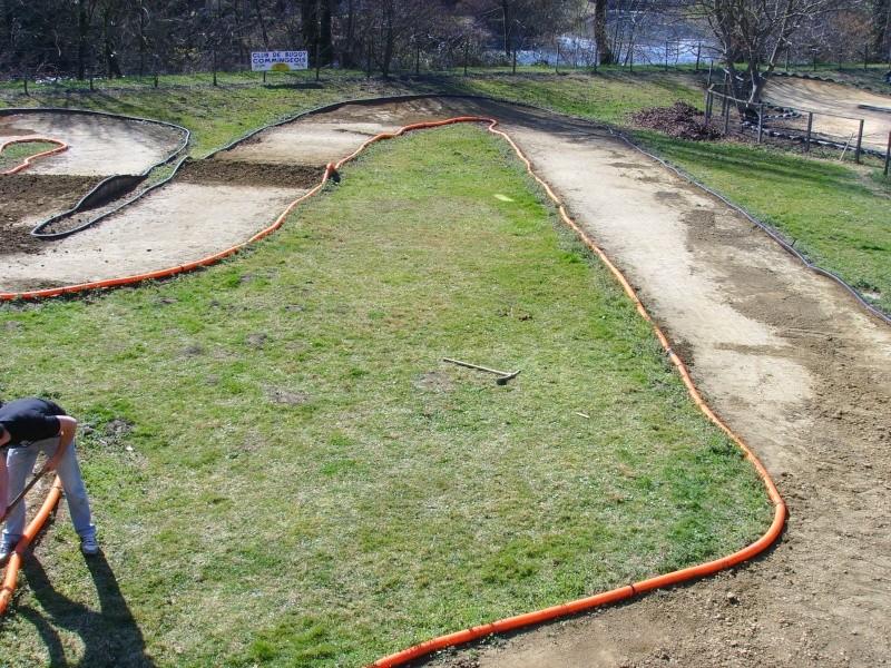 Réfection des pistes 1/8 et 1/10 mars 2011 Ssl20022