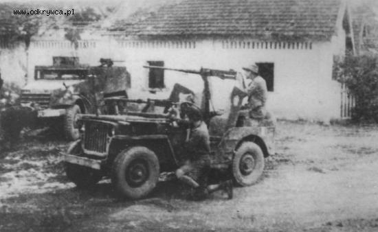 Jeep avec cal 30, Indochine Un_jee10