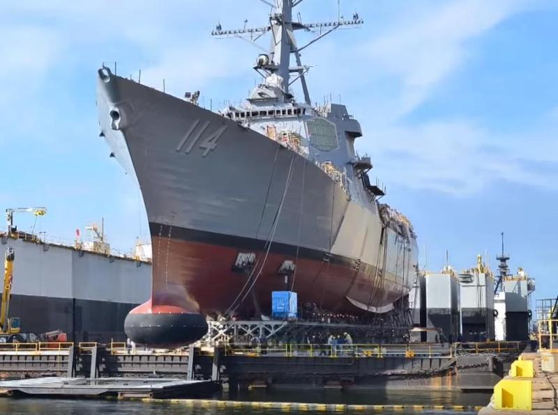 US Navy : les dernières news - Page 7 Uss-ra10