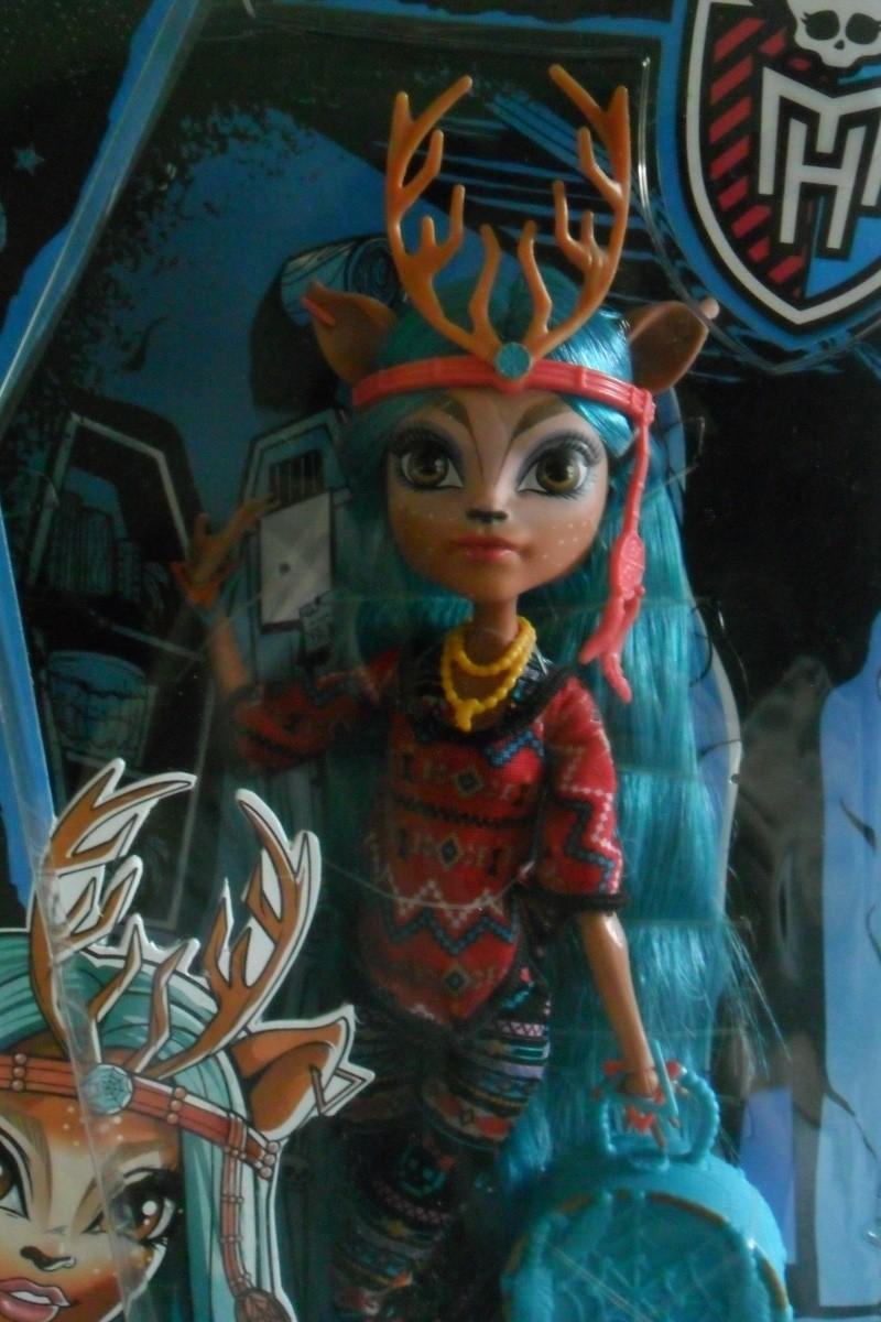 Les Monster High, les poupées que j'aurais aimé avoir petite... Nouveautés - Page 2 Sam_1911