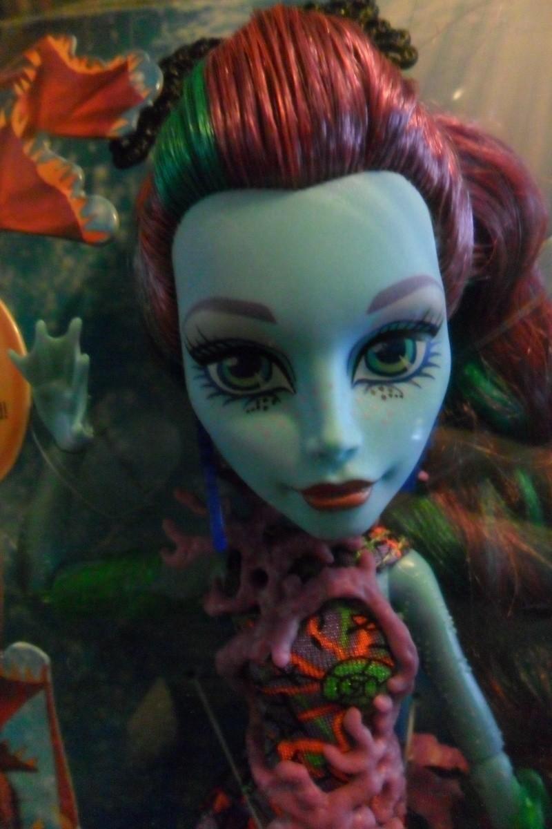 Les Monster High, les poupées que j'aurais aimé avoir petite... Nouveautés - Page 2 Sam_2031