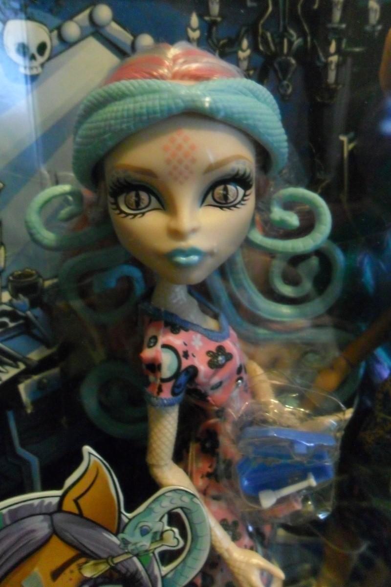 Les Monster High, les poupées que j'aurais aimé avoir petite... Nouveautés - Page 2 Sam_2035