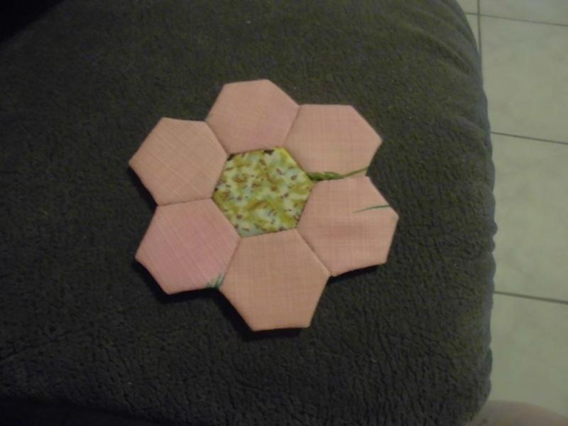 fleurs hexagones Nc110