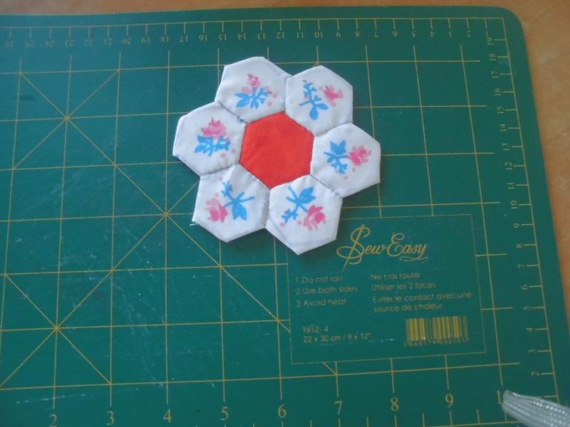 fleurs hexagones Nc310