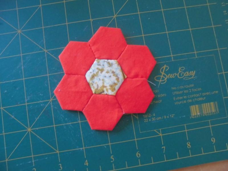 fleurs hexagones Nc410