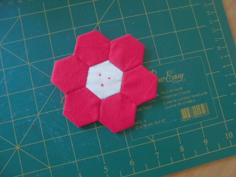 fleurs hexagones Nc510