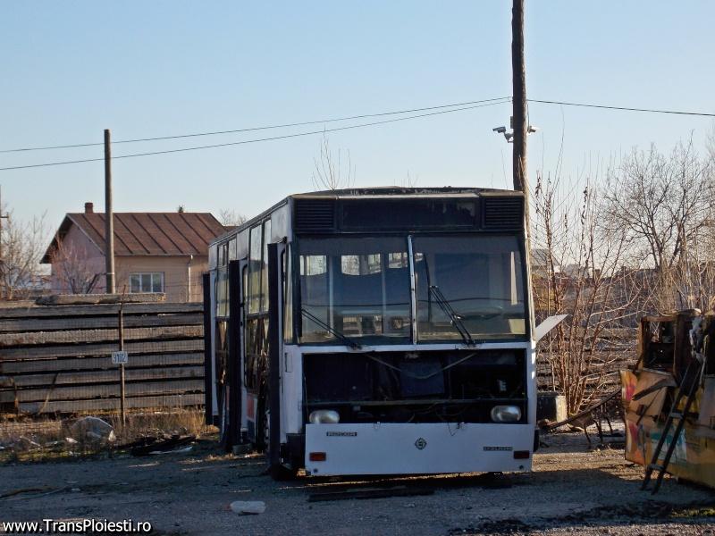 SC TCE SA Ploiesti: mentenanta vehiculelor - Pagina 7 Dscn1479