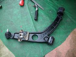Remove / refit front suspension arms Arm1010