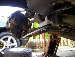 Remove / refit front suspension arms Arm1210
