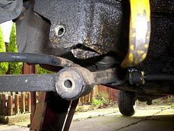 Remove / refit front suspension arms Arm610