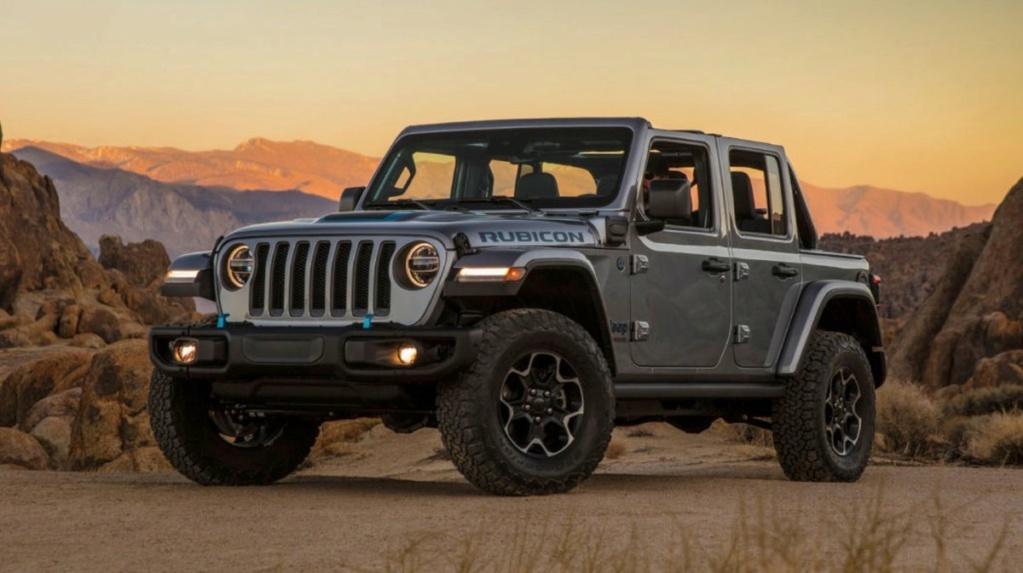 L'imposante Jeep Wrangler 4xe hybride rechargeable dévoile ses prix Raw10