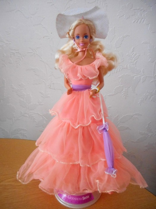 Ma collection de poupées Barbies - Page 15 Dscn1642