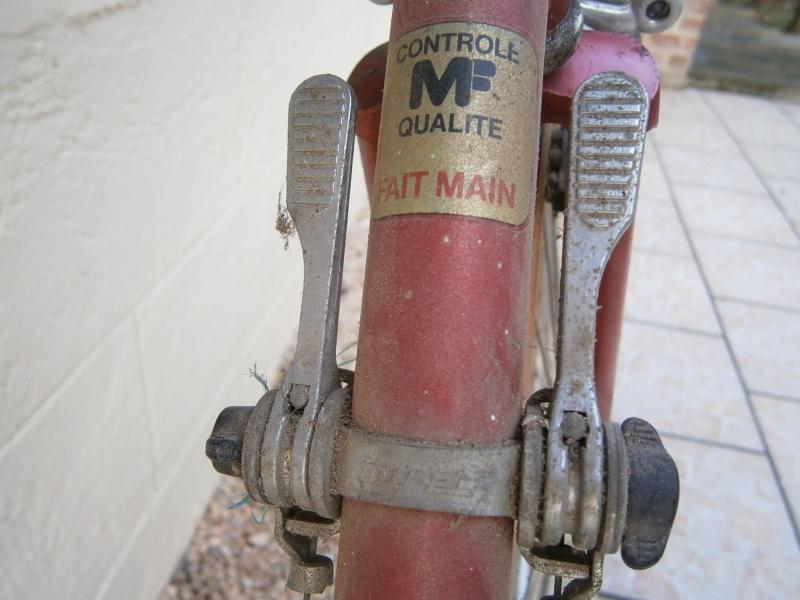 Poulidor 1980 - Sorti de grange Pc232919