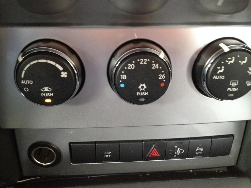 Chauffage intérieur aléatoire sur Dodge Nitro - Page 10 Img_4011
