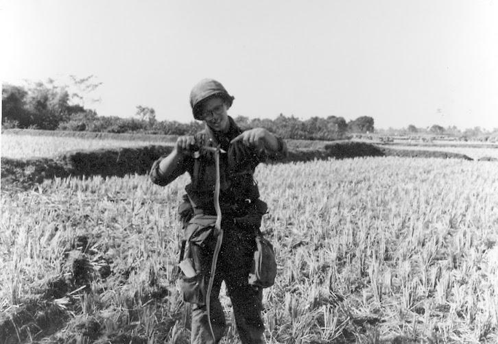Les pièges en bambou Vietcong (Booby traps) partie 1 32_sna10