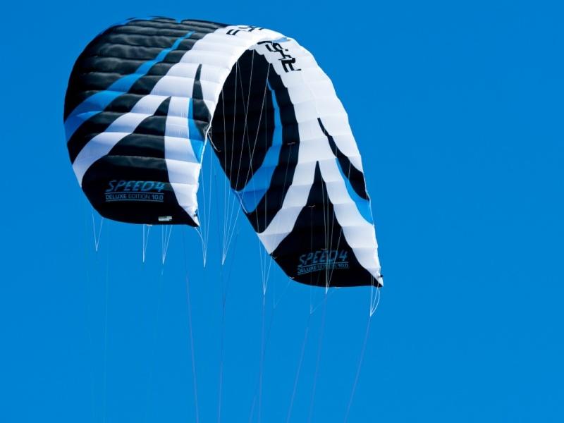 """VENDUE ""Flysurfer Speed4 10m² Deluxe nouveau prix 700eur Speed410"