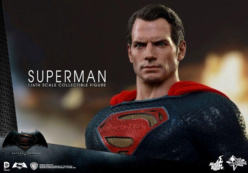 HOT TOYS - BvS : Dawn Of Justice - Superman Ww10