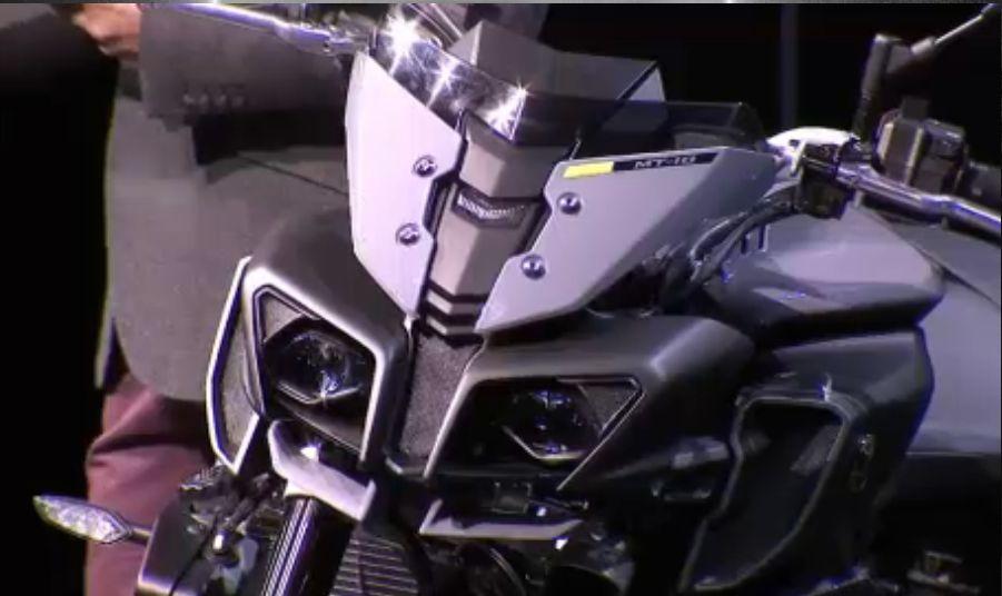 Yamaha lance la ... MT-10 ! Officiel ! Captur11