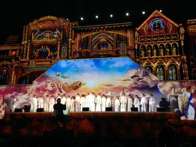 Quatre concerts de Noël au Japon fin décembre 2015 Cwqnmk11