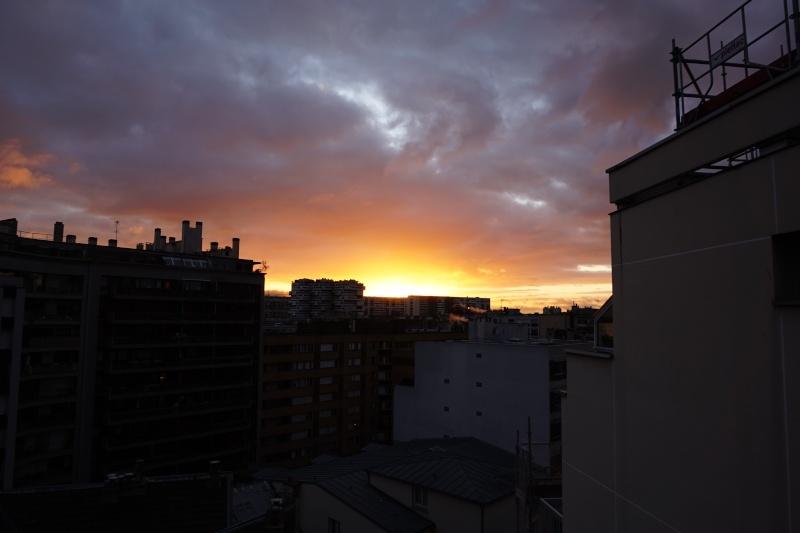il est 08h30...Paris s'eveille Dsc00018