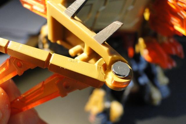 Avez-vous déjà cassé un Transformers? - Page 5 Dsc06510