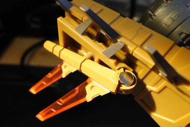 Avez-vous déjà cassé un Transformers? - Page 5 Dsc06511