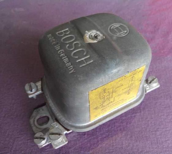 régulateur de tension 42c93410