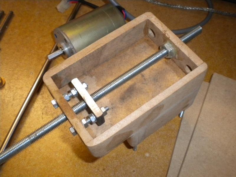 CNC V1 en médium pour gravure de PCB Dscn1610